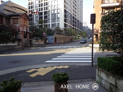 前面十字路