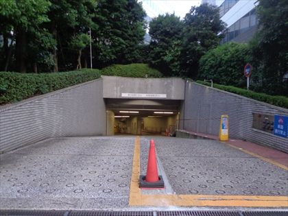 地下平置駐車場 ¥70,000(税別)