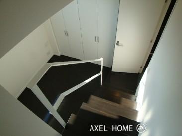 洋室への階段